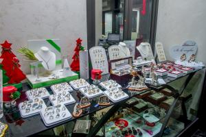L'Emporio dei Preziosi - Gioielleria, Orologi, Oggettistica, Articoli regalo di prestigio - Torino